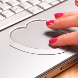 Five ways to sidestep scams when you're looking for love online.